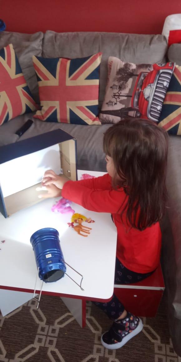 As crianças deverão realizar as atividades em casa