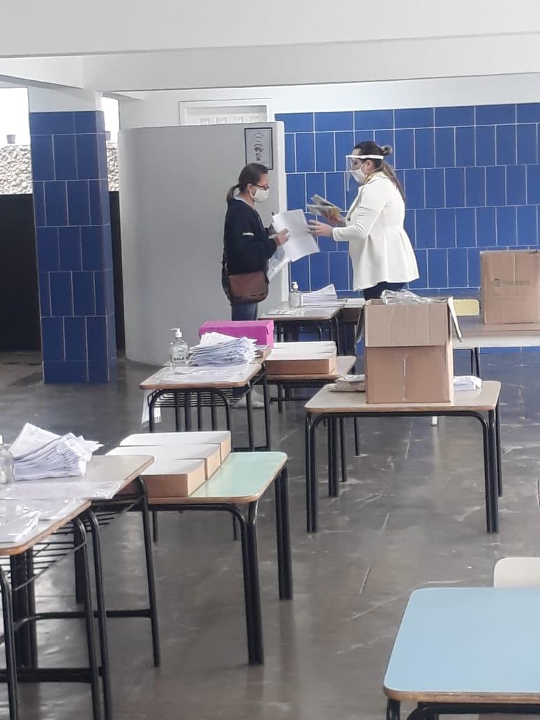ENTREGA DO KIT ALIMENTAÇÃO E PEDAGÓGICO ACONTECEU NA ÚLTIMA QUARTA-FEIRA