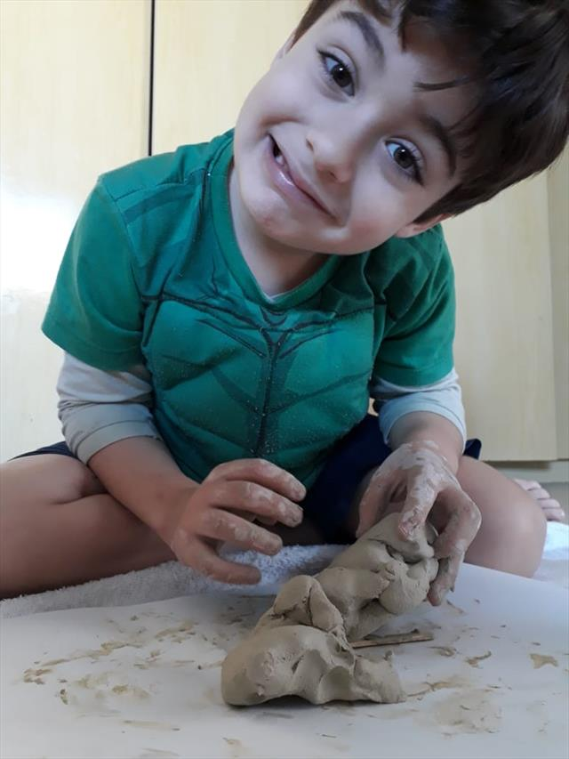 Fazendo arte com argila