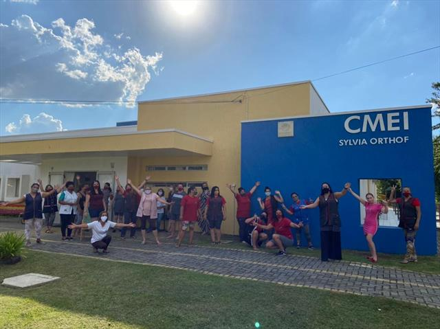 As profissionais do CMEI voltaram para a Unidade c