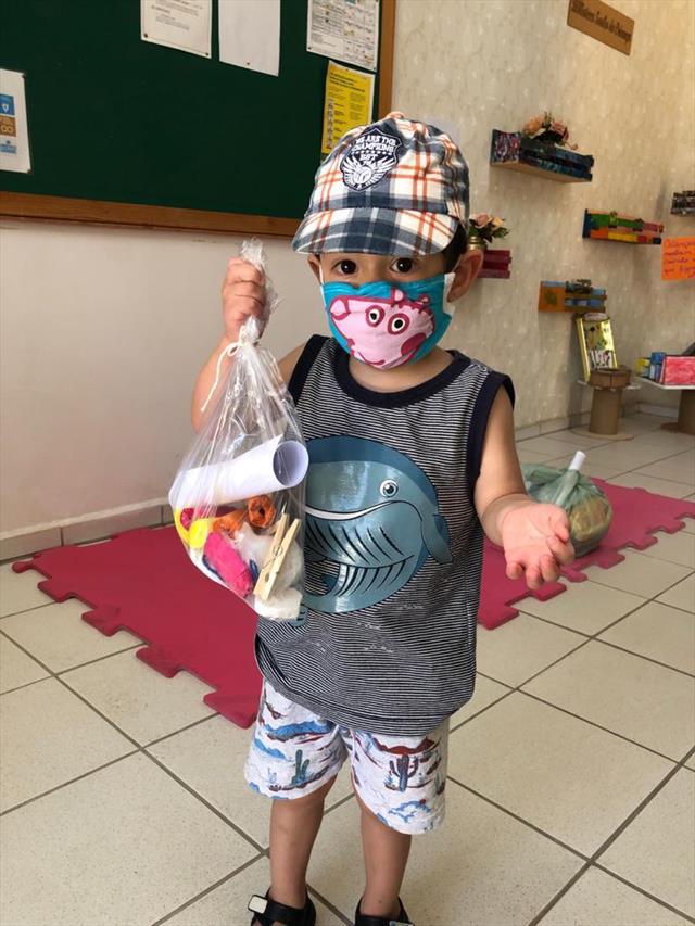 Entrega dos kits de alimentação e pedagógico