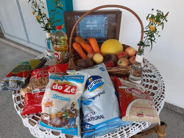 Entrega Kit Alimentação e Pedagógico