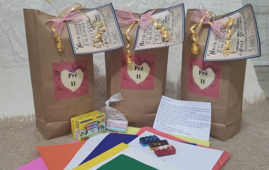 Kit pedagógico organizado pelas professoras do Pré II