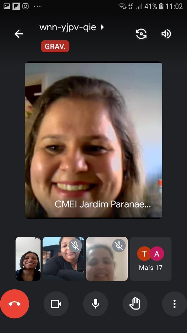 Equipe CMEI Jardim Paranaense estuda e planeja com muito cuidado o ensino remoto