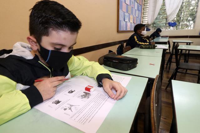Dia de Prova Curitiba nas Escolas Municipais. Curi