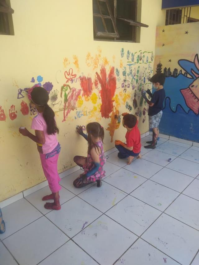 A importância da pintura com tinta na Educação Infantil.