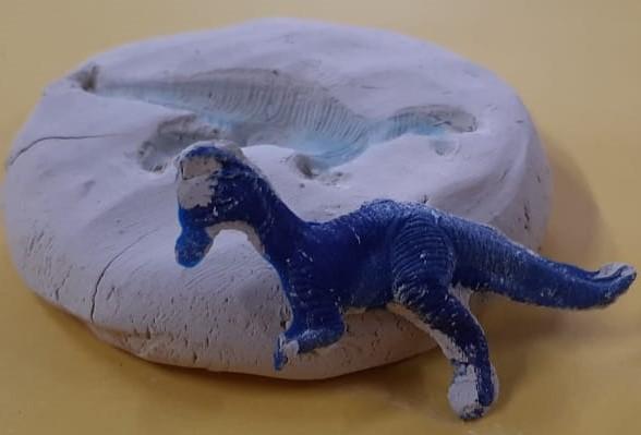 Dinossauros invadem o cotidiano do Pré Único